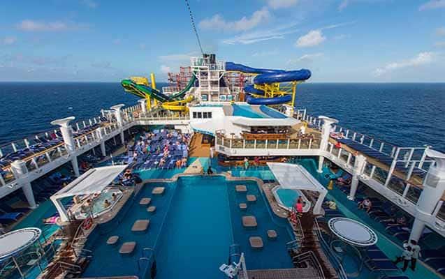Cruise Gemilerinde Çalışmak. Çalışma Şartları Ne? Ne Kadar Kazandırır?