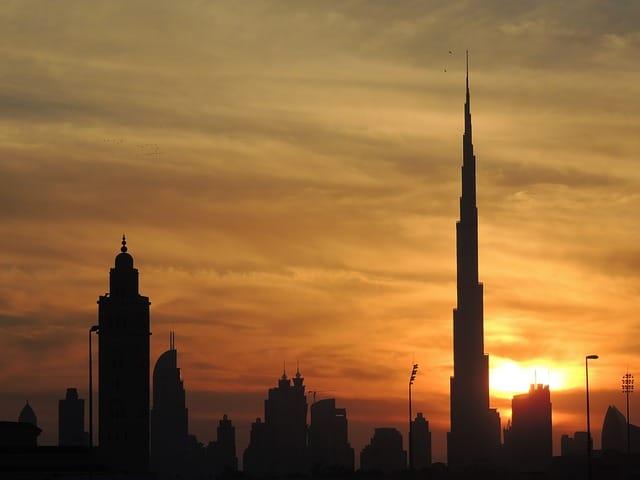 Dubai'de Çalışmak İçin Neler Gerekli